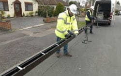Seamless guttering being created