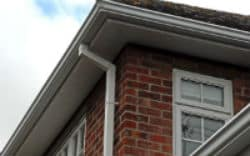 Installation of seamless guttering